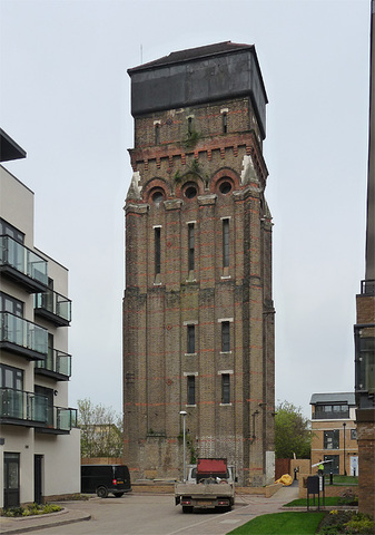 Grand Designs Kennington Water Tower HEADLINE Stephen Richards