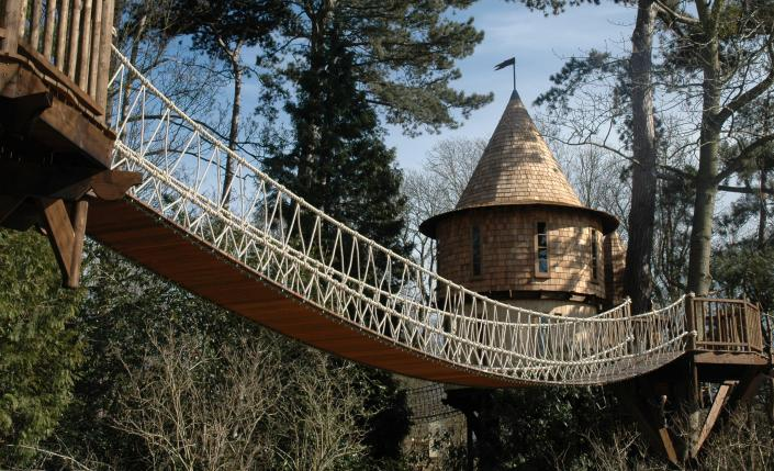 Treehouse Feature In Unique Property Bulletin