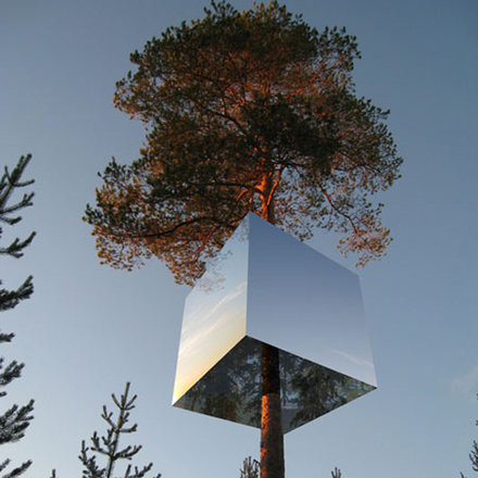 1-Mirror-Tree-House-7