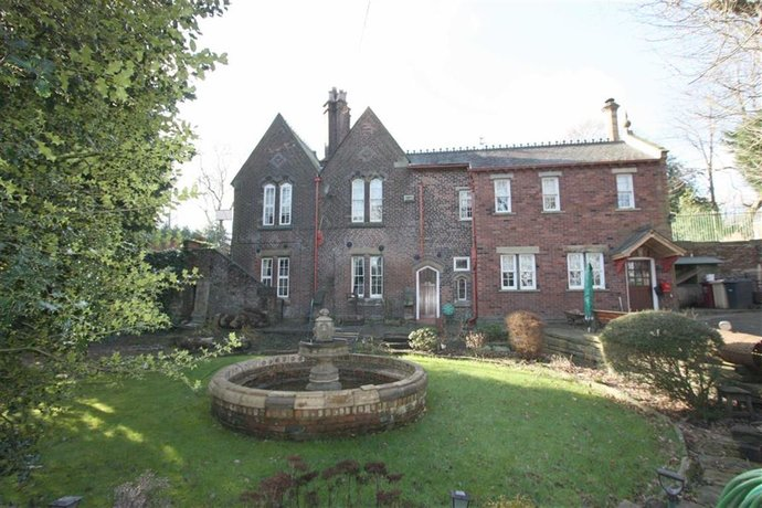 AAA Fred Dibnah House - 121 Radcliffe Rd - 2RSZ