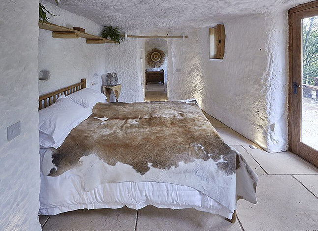 Cave House, Low Habberley, Worcestershire 3