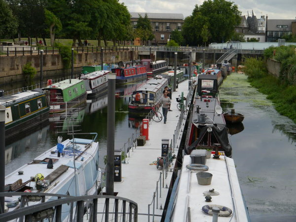 London Canalboat A
