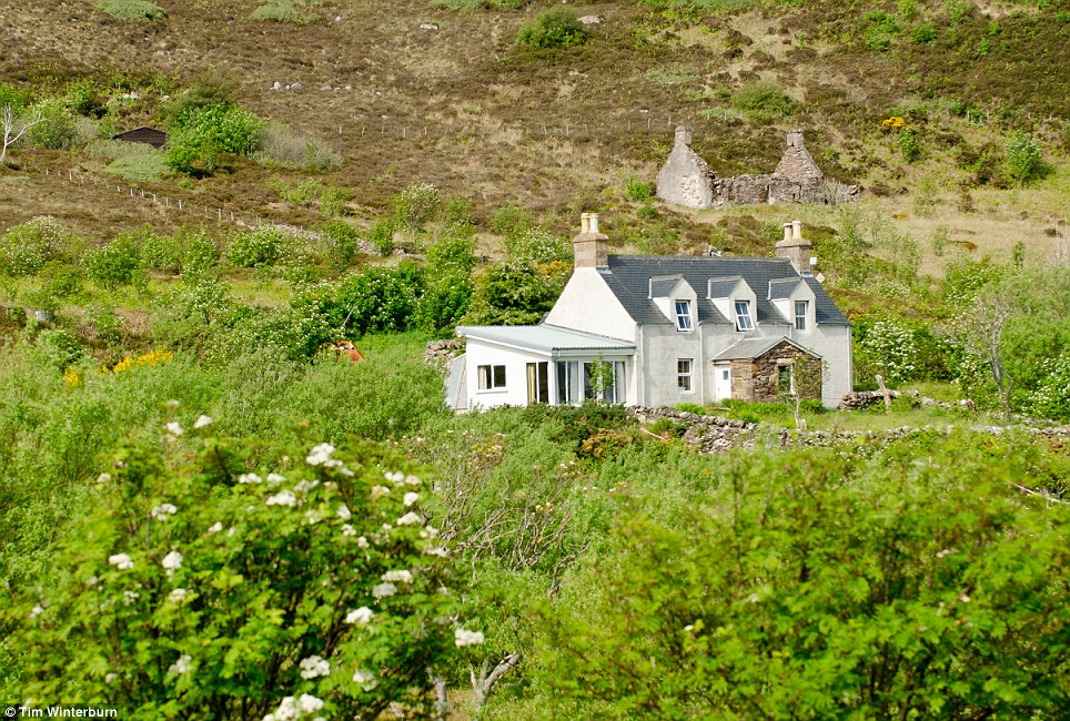 Rosslyn Cottage, Tanera Mor Island MAIN