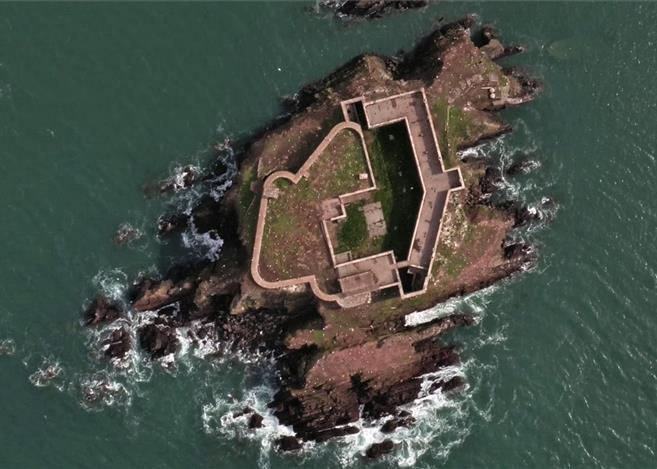 aa-a-thorn-island-2