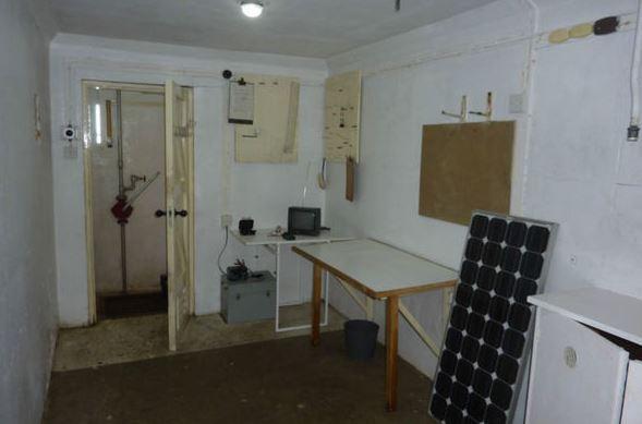 AA A UKWMO Bunker Example