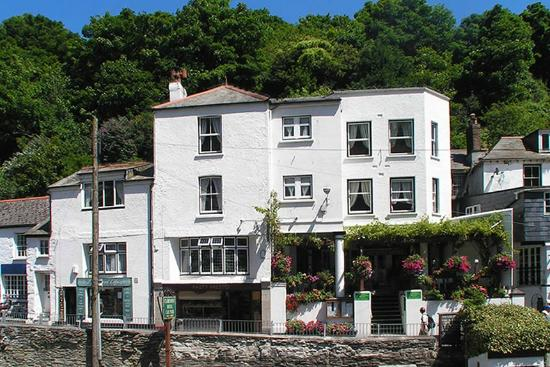 aa-a-claremont-hotel-polperro1