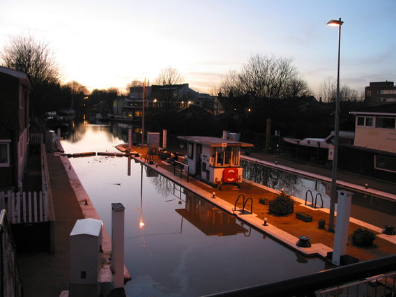 AAA Grand Union Canal - Brentford