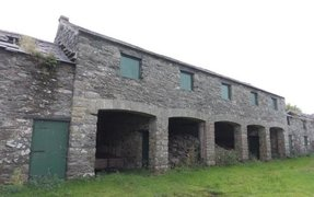 Old Coaching Inn & Large Stables For Sale – Isle of Anglesey